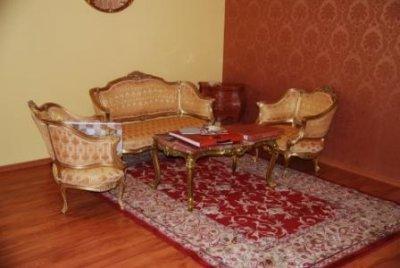 Продам комплект классической мебели
