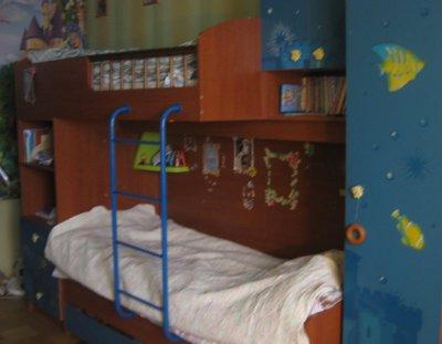 Детская двухэтажная кровать- стенка