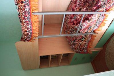 Отдам комплект мебели в детскую б/у