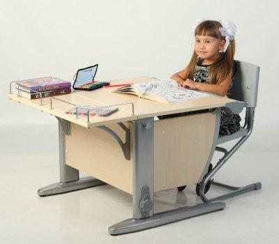 Письменный стол парта и стул для школьника
